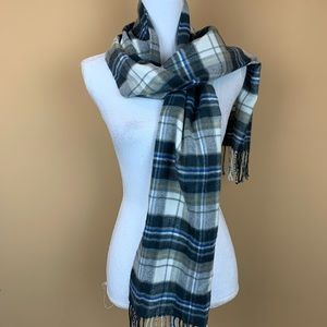 Old Navy plaid soft fringed scarf men's or womwn's